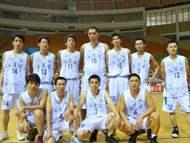 企业篮球赛团队合照